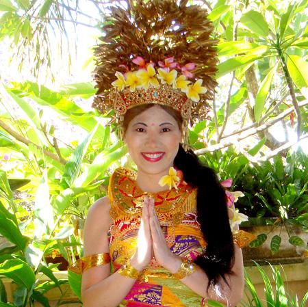 Balinese Costume Photo 2